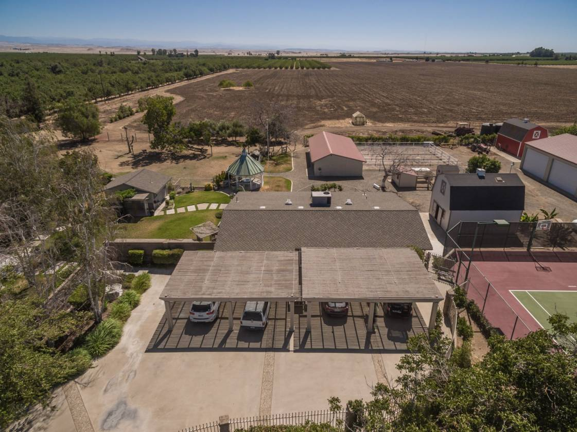 Le Grand Ranch Luxury Estate With Stables Tack Room