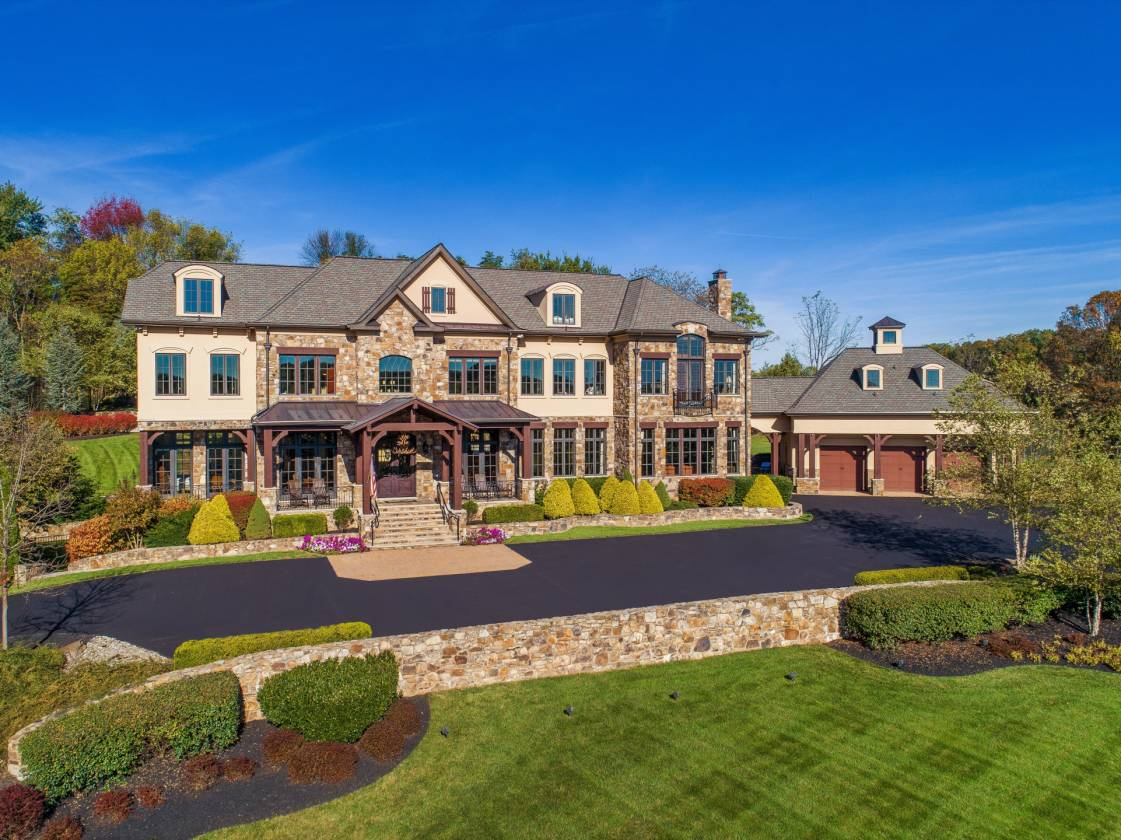 Previous Magnificent Equestrian Estate with Two Homes