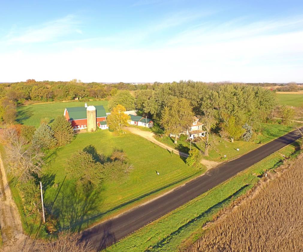 storybook 5 acre farmette in marengo il marengo mchenry county