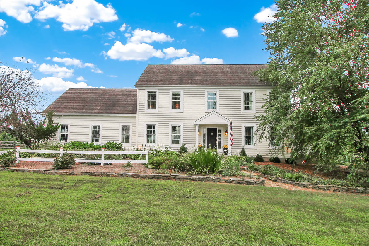 exquisite property nestled in the rolling hills along the susquehanna rh horseproperties net