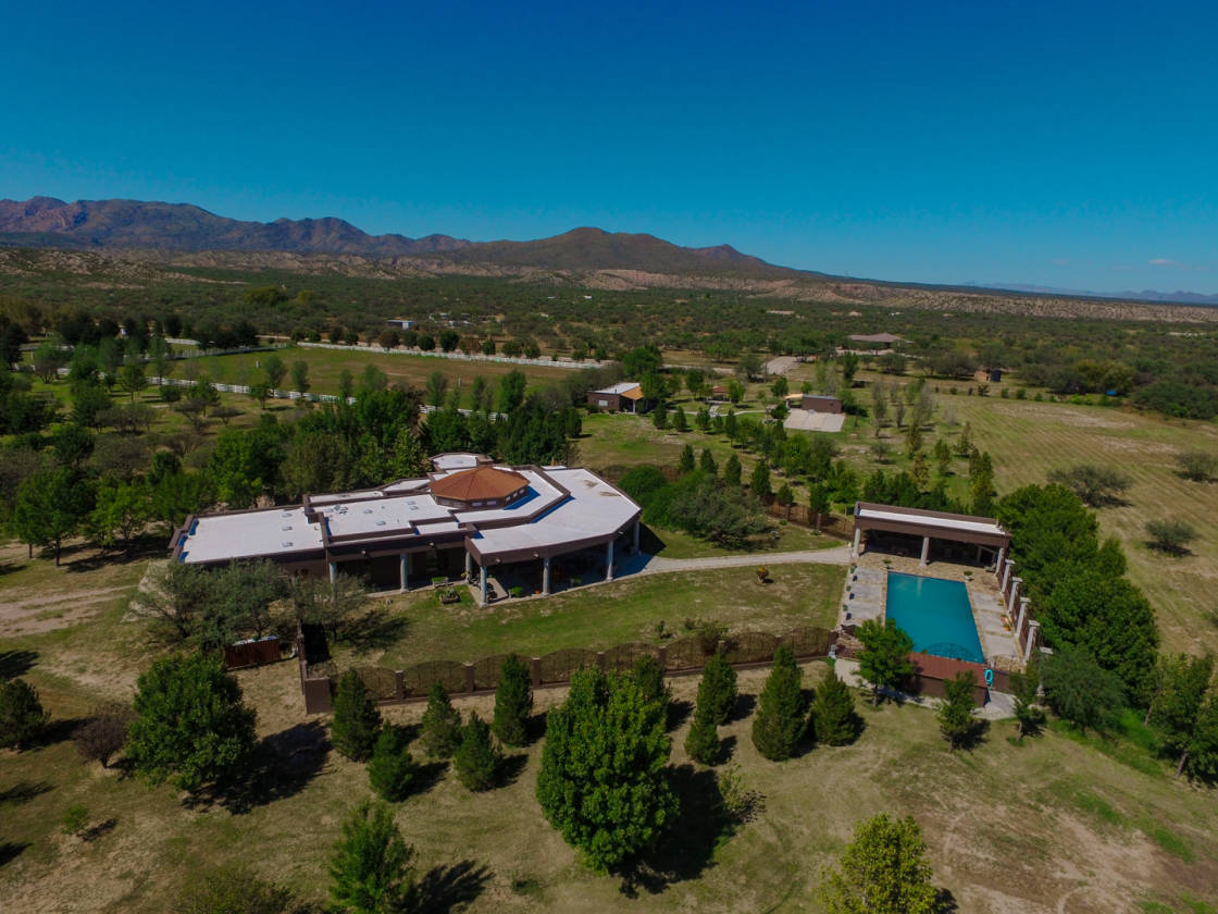 Luxury equestrian estate in benson artesian well for Az pond and pool