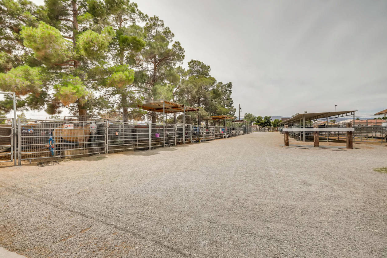 Incredible 3 Acre Ranch Boarding Facility Income