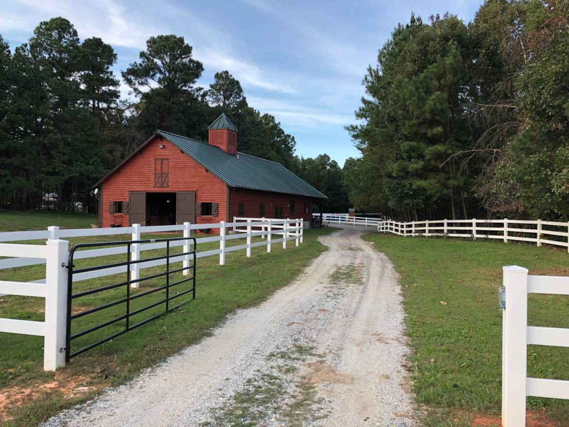 lake norman area barn with vacation rent able apartment 5 14 rh horseproperties net