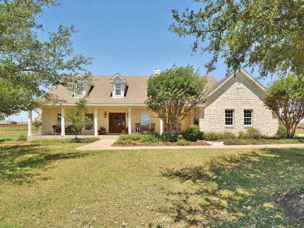 Austin mini ranch with upscale home on 5 acres for Big ranch house