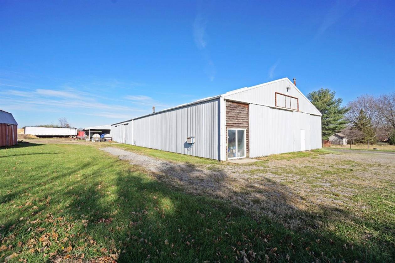 15 Acre 20 Stall Horse Barn And Arena