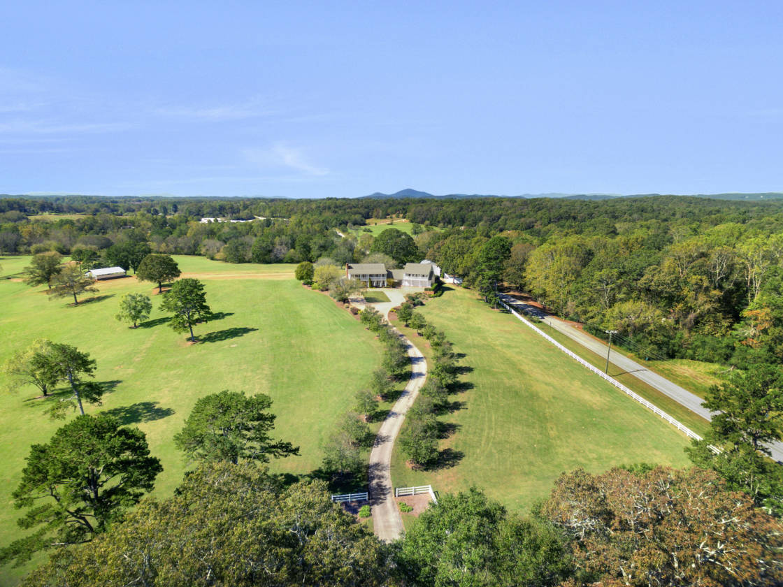 1 Acre Estate Home - 713f3d3521b3d2dc252f551f42674832bf2867a9_big_Good 1 Acre Estate Home - 713f3d3521b3d2dc252f551f42674832bf2867a9_big  Photograph_883326.jpg