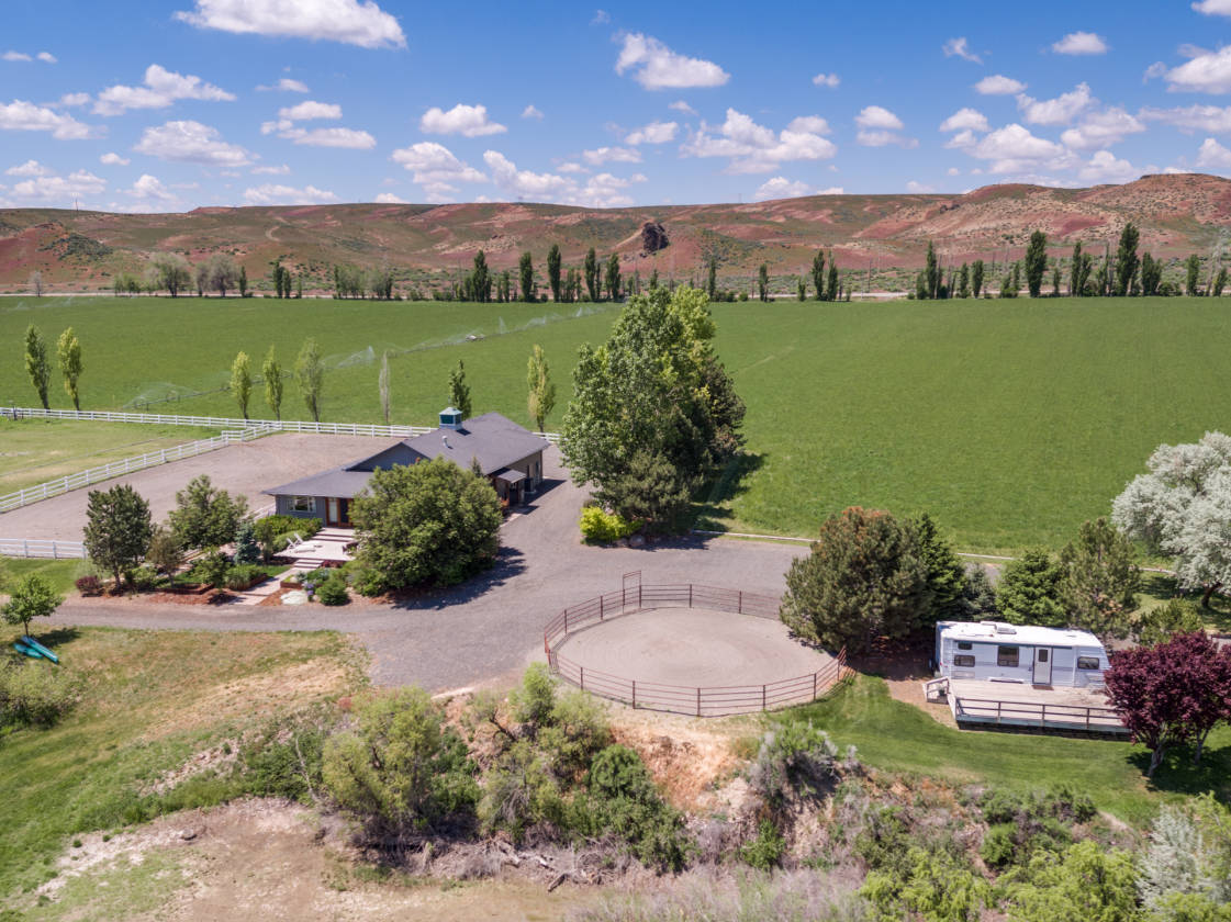 lovely 67 acre hagerman valley farm with a 1 2 mile hagerman rh horseproperties net