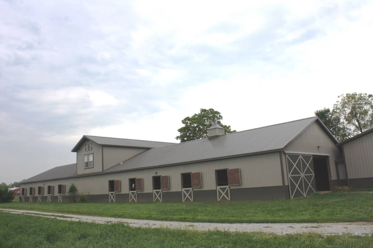 Secluded estate 192 acres 2 homes 2 horse barns 3 for Barn house indiana