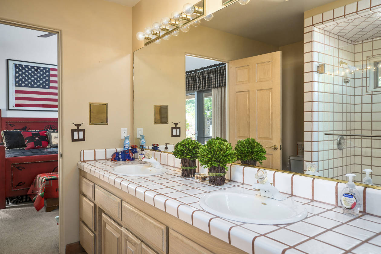 Bathroom Stall In Spanish stunning spanish style home on 10 acres with 5 stall barn and