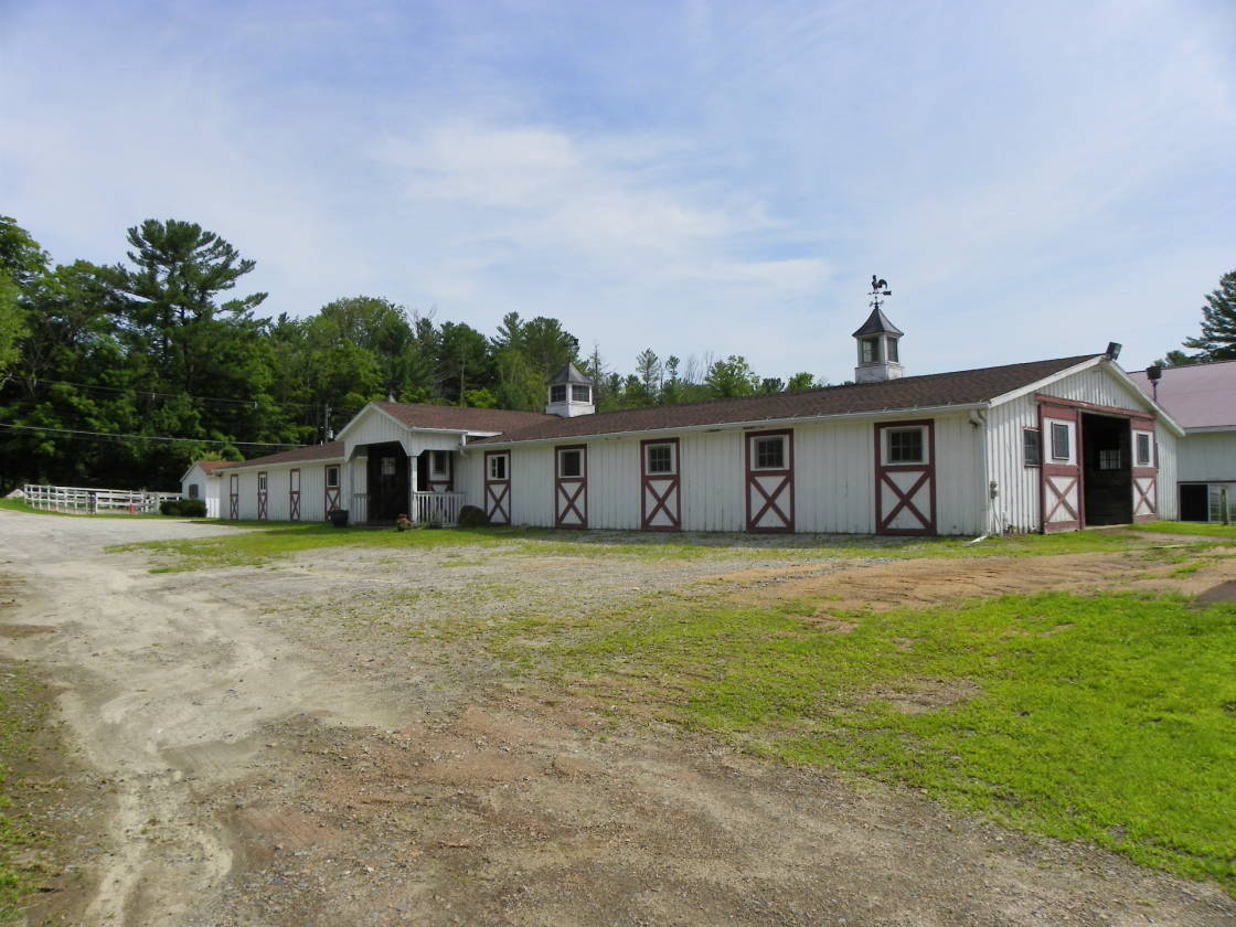Equestrian Center with 20 stall barn, indoor outdoor riding